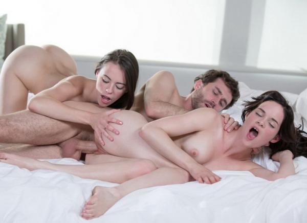 Секс В Трайом 2 Пацана И 1 Девка