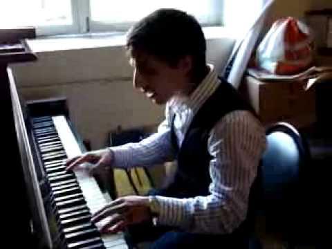 Армянский парень поёт Грузинскую песню - Махинджи вар. 359.