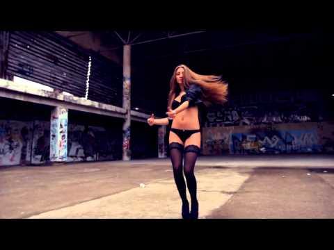 Video of woman biven hand job