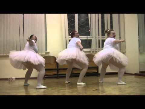 Смотрим онлайн Толстушки Балет .